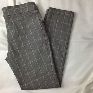 SOHO Apparel Ltd Skinny Slacks Really Pretty
